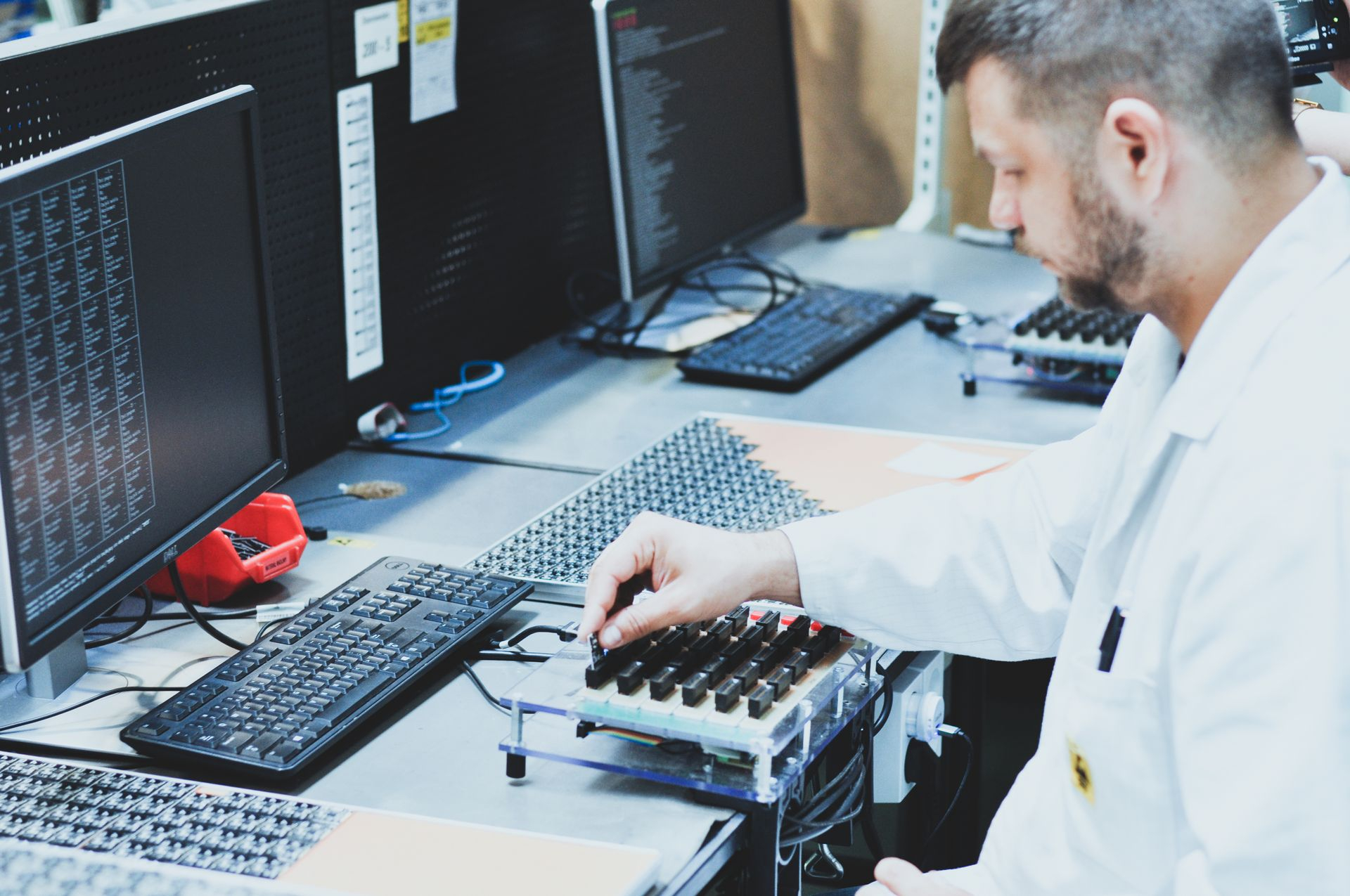 test-leader-during-his-work-on-rf-project-as-a-part-of-electronics-manufacturing-services