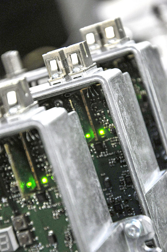 RF-amplifiers-during-the-quality-control-process-of-the-telecom-equipment-manufacturer